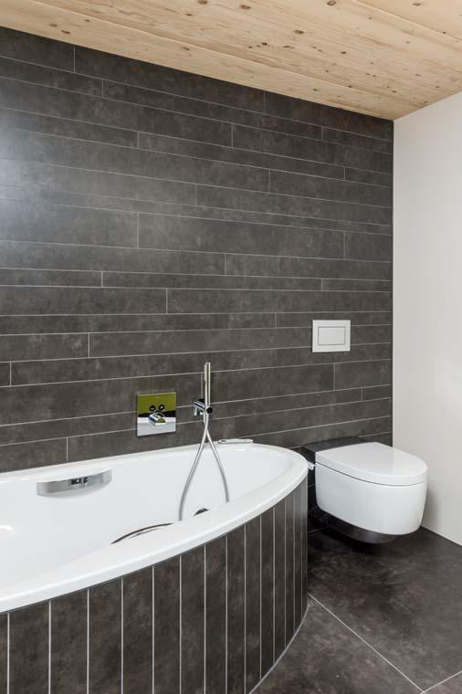 Gloor Worb – Bad mit Raumspar-Badewanne