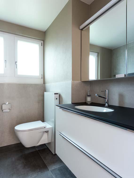 Gloor Gebäudetechnik – Komfortable Badezimmer-Sanierung mit platzsparendem Monolith-Sanitärmodul