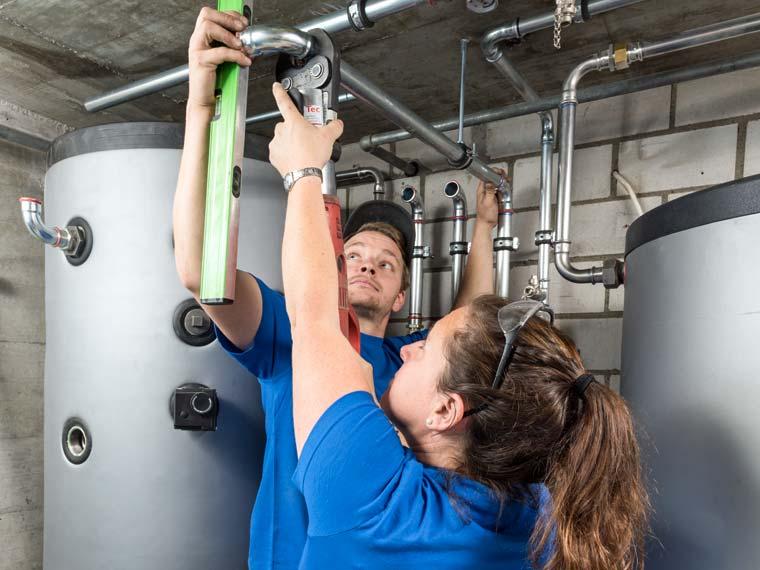 Gloor Worb – Heizung Anschluss des Warmwasserspeichers ans Leitungsnetz