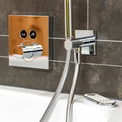 Gloor Gebäudetechnik – Sanitär – Bad mit Touch-Armaturen Mobile