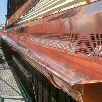 Gloor Gebäudetechnik – Spenglerei – Dachrinne aus Kupfer